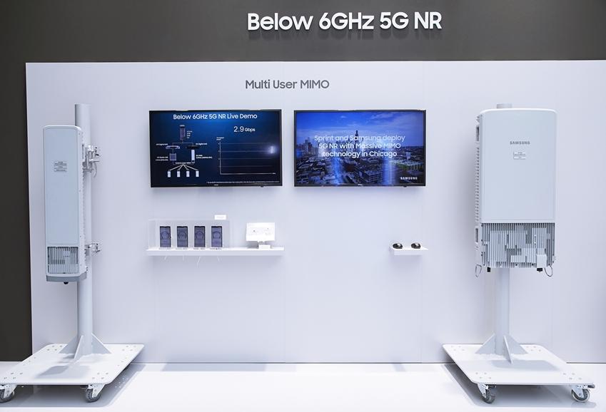 ▲ 삼성전자의 첨단 5G 장비 전시 모습.