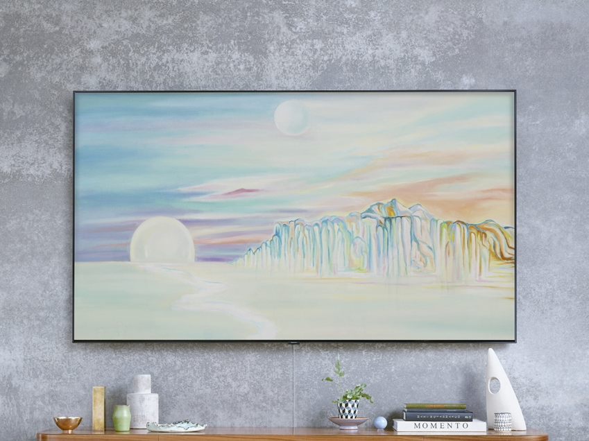 삼성 QLED TV에 시간에 따라 그림의 색채가 달라지는 세계적 아티스트 '탈리 레녹스' 작품의 매직스크린 모드가 띄워져 있다.