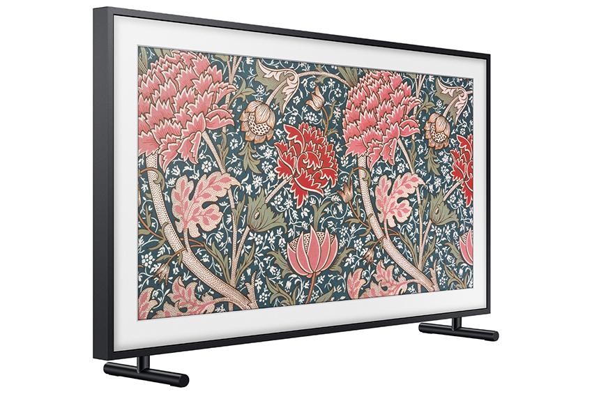 '더 프레임'은 '아트모드' 기능을 통해 TV를 시청하지 않을 때에는 미술 작품이나 사진을 스크린에 띄워 마치 액자처럼 활용할 수 있는 신개념 TV이다.