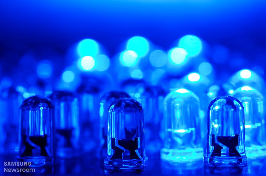 '초소형 LED가 사람 뇌를 들여다본다'
