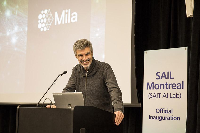 삼성전자 종합기술원 몬트리올 AI 랩 개소 현장. 5월1일(현지시간) 열린 삼성전자 종합기술원 몬트리올 AI 랩 확장이전 행사에서 요슈아 벤지오(Yoshua Bengio, 몬트리올大) 교수가 환영사를 하고있다.