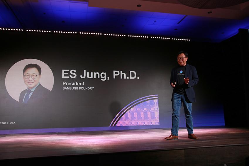 5월 14일(현지시간) 미국 산타클라라에서 열린 '삼성 파운드리 포럼 2019'에서 삼성전자 파운드리 사업부 정은승 사장이 기조 연설을 하고 있다.