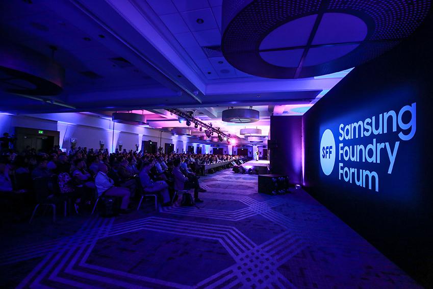 5월 14일(현지시간) 미국 산타클라라에서 열린 '삼성 파운드리 포럼 2019'에서 글로벌 팹리스 고객, 파트너사 등 참석자들이 삼성전자 파운드리 사업부 정은승 사장의 기조 연설을 듣고 있다.