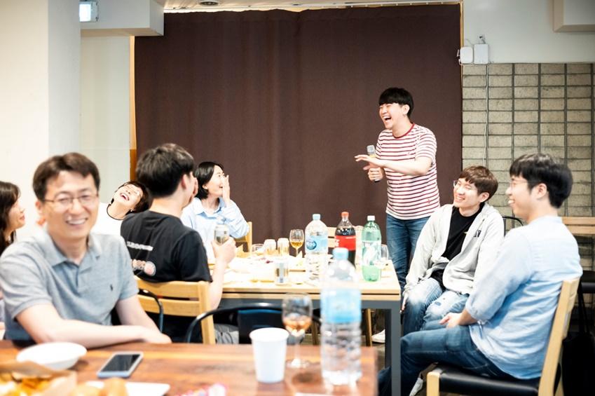 삼성 원위크 임직원 봉사자들은 평일 저녁과 주말에도 팀별로 함께 모여 봉사활동을 준비했다.