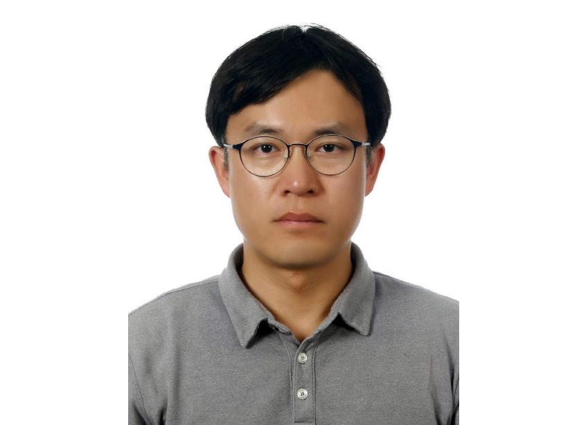 (차세대 디스플레이 분야) 홀로그램용 공간 변조 기술 연구과제를 담당한 고려대학교 세종캠퍼스 김휘 교수