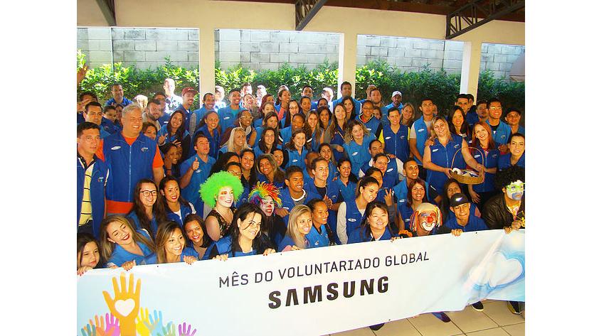 ▲ 2012년부터 지역 NGO인 CEPROMM과 청소년 실습 프로그램을 운영하고 있는 브라질 캄피나스 생산법인