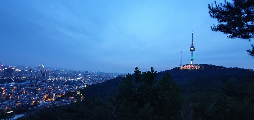 갤럭시 S10+로 촬영한 남산뷰