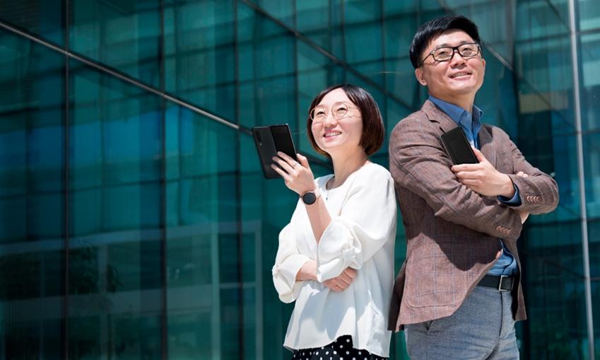 무선사업부 전략파트너개발그룹 박지선 상무(왼쪽)와 프레임워크그룹 정혜순 상무(오른쪽)