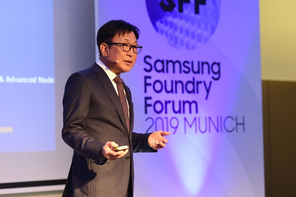 10월 10일(현지시간) 독일에서 열린 '삼성 파운드리 포럼 2019 뮌헨'에서 삼성전자 파운드리 사업부 정은승 사장이 기조 연설을 하고 있다.