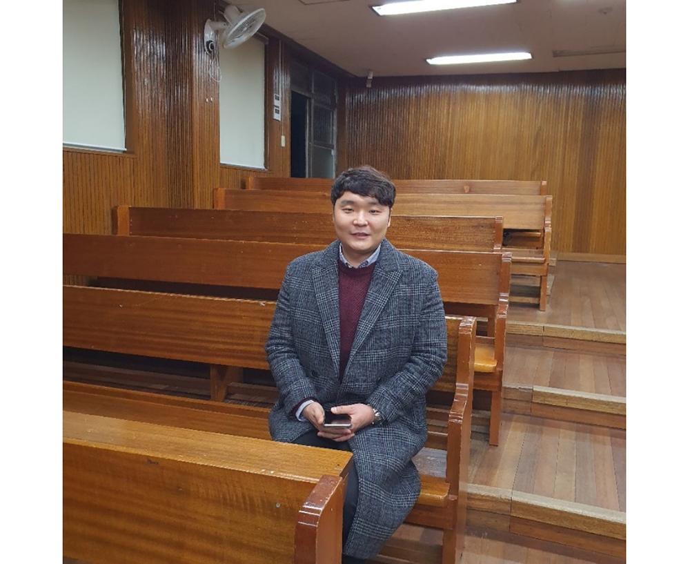 ▲ 대전 둔원중학교 멘토링 현장에서 인터뷰를 하고 있는 박은성 씨