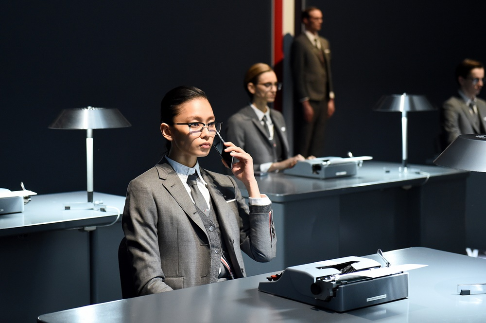 현지시간 12일 뉴욕 패션위크에서 진행된 '갤럭시 Z플립 톰브라운 에디션' 공개 행사 사진