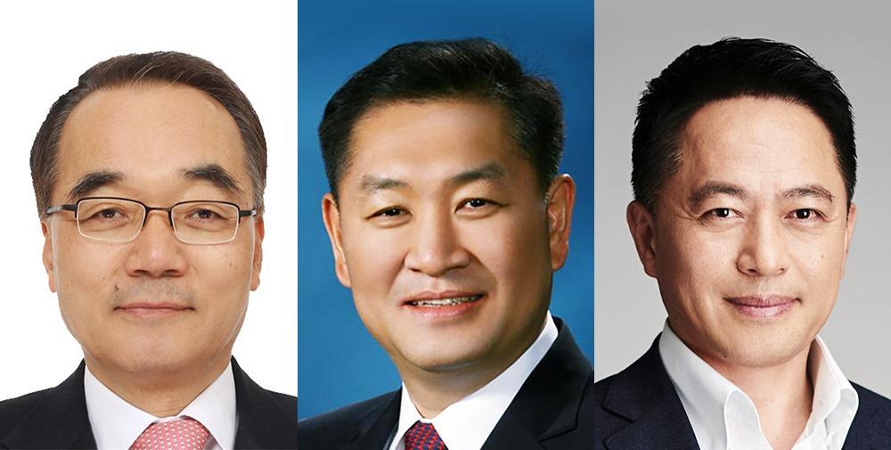 ▲ (왼쪽부터) 삼성전자 박재완 이사회의장, 한종희 사장, 최윤호 사장