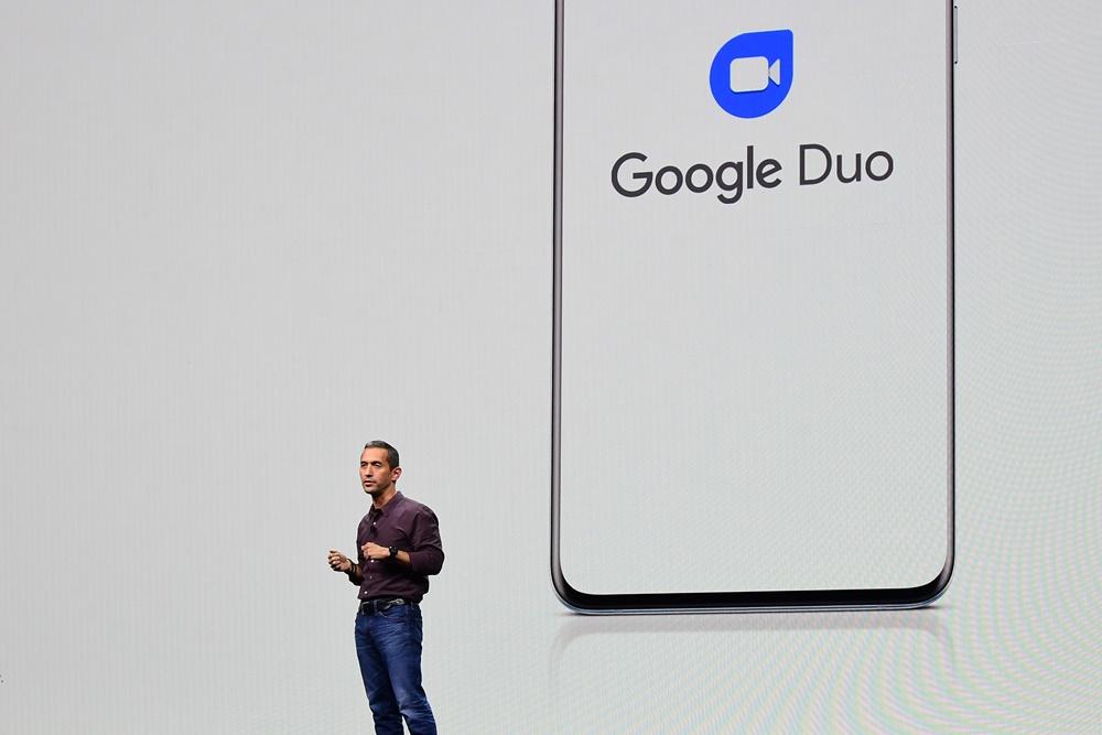 """구글의 플랫폼&에코시스템 담당 히로시 록헤이머(Hiroshi Lockheimer) 전무는 영상통화 앱 '구글 듀오(Google Duo)'와 5G를 지원하는 갤럭시 S20의 통합에 대해 설명했다. 그는 """"구글 듀오가 갤럭시 기기의 기본 앱으로 추가되고, 5G 덕분에 끊김 없는 영상통화가 실현되면서 사람과 사람을 더 자연스럽게 연결해 줄 수 있게 됐다""""고 의미를 부여했다."""
