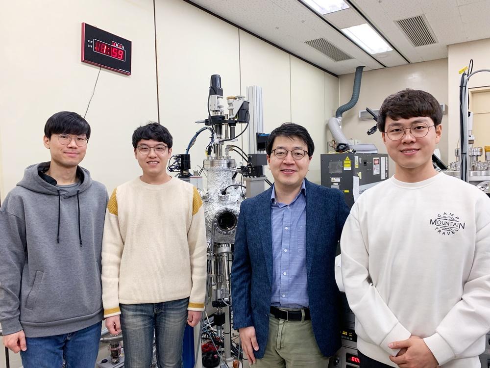 포스텍 손준우 교수 연구팀, 차세대 반도체용 소재 저온 합성법 개발