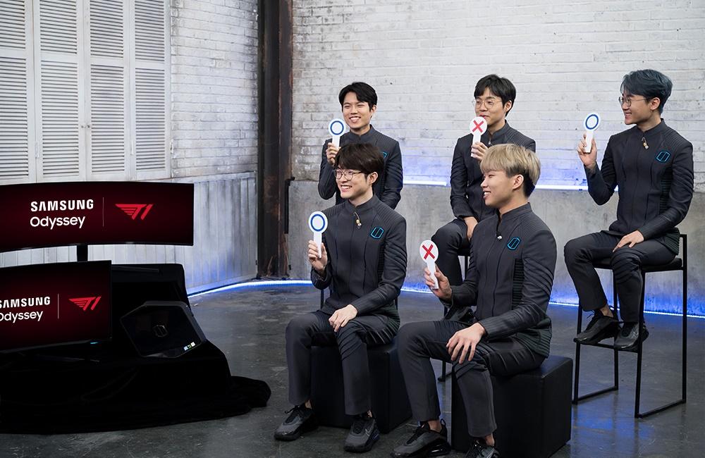 이날 T1 선수단은 서로를 알아가는 간단한 토크쇼를 촬영하기도 했다.