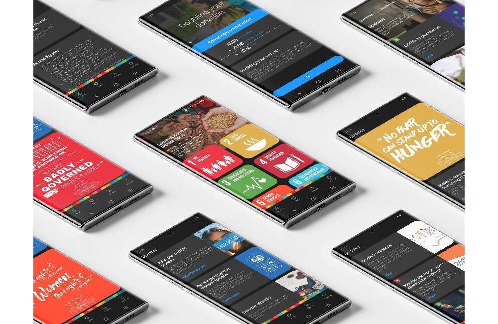 글로벌 골즈 앱 화면이 띄워진 삼성 스마트폰