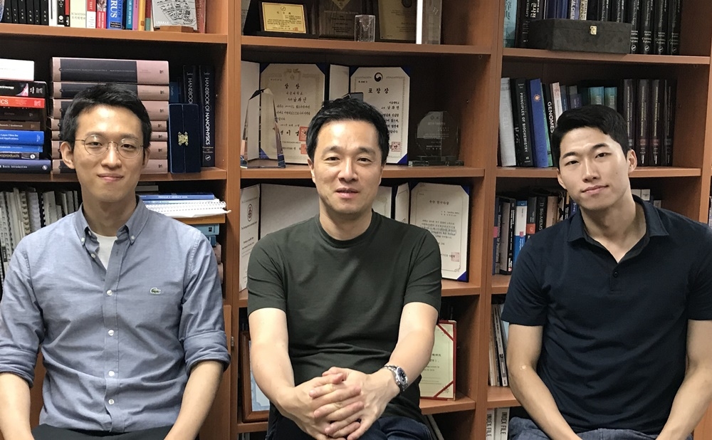 ▲ 왼쪽부터 김선기 박사(1저자), 남좌민 교수(교신저자), 서진영 학생(공동저자)
