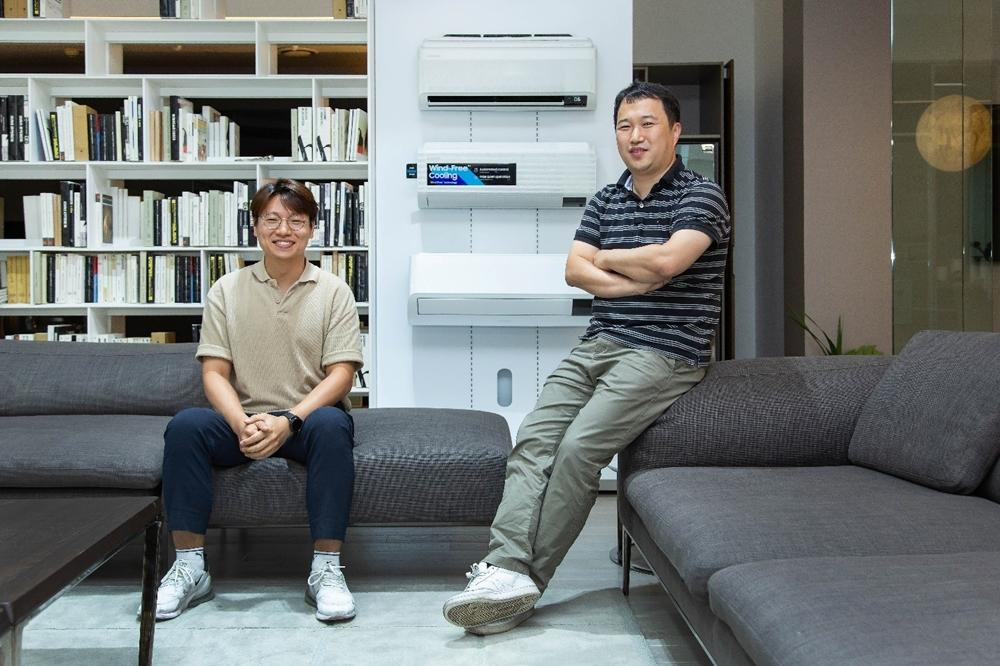 ▲ (왼쪽부터) 삼성 에어컨의 '에너지 성능과 효율'을 연구하는 삼성전자 생활가전사업부 손길수, 안병옥 엔지니어
