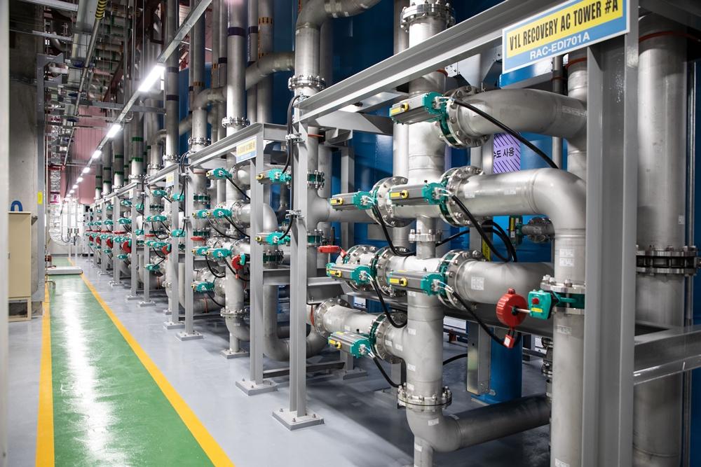 삼성전자 화성캠퍼스 그린센터내 공정용수 재이용 시설로 초순수 과정에서 발생하는 농축수중 일정 수질 이상은 회수해 재이용하는 설비