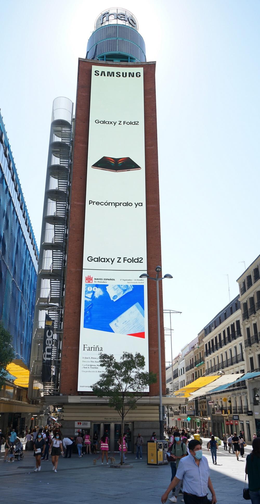 스페인 마드리드 까야오 광장(Plaza del Callao)에서 운영 중인 '갤럭시 Z 폴드2' 옥외광고