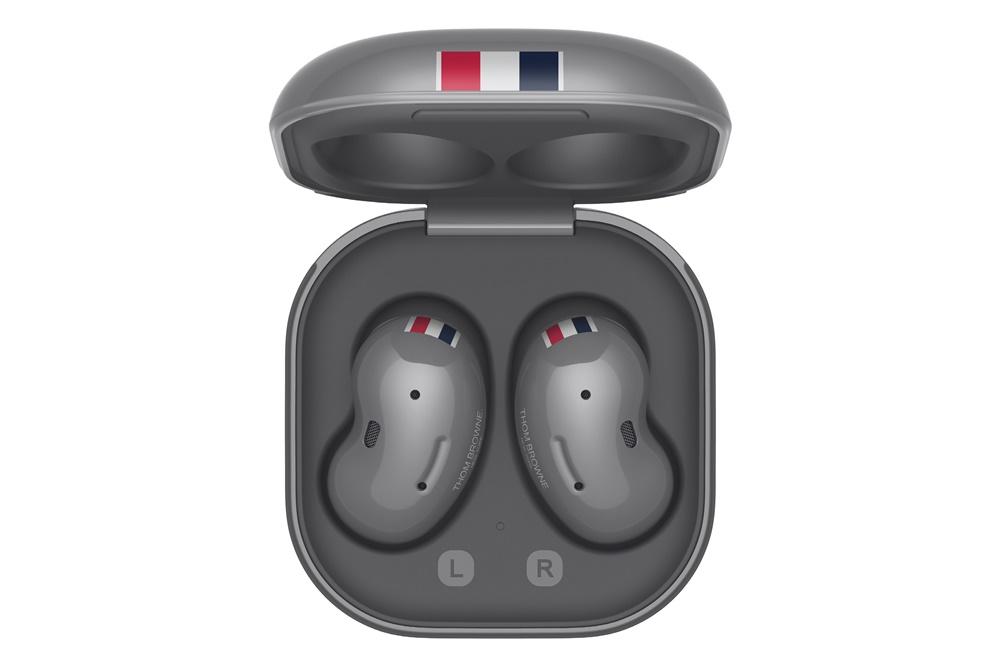 '갤럭시 Z 폴드2 톰브라운 에디션' 웨어러블 기기 이미지
