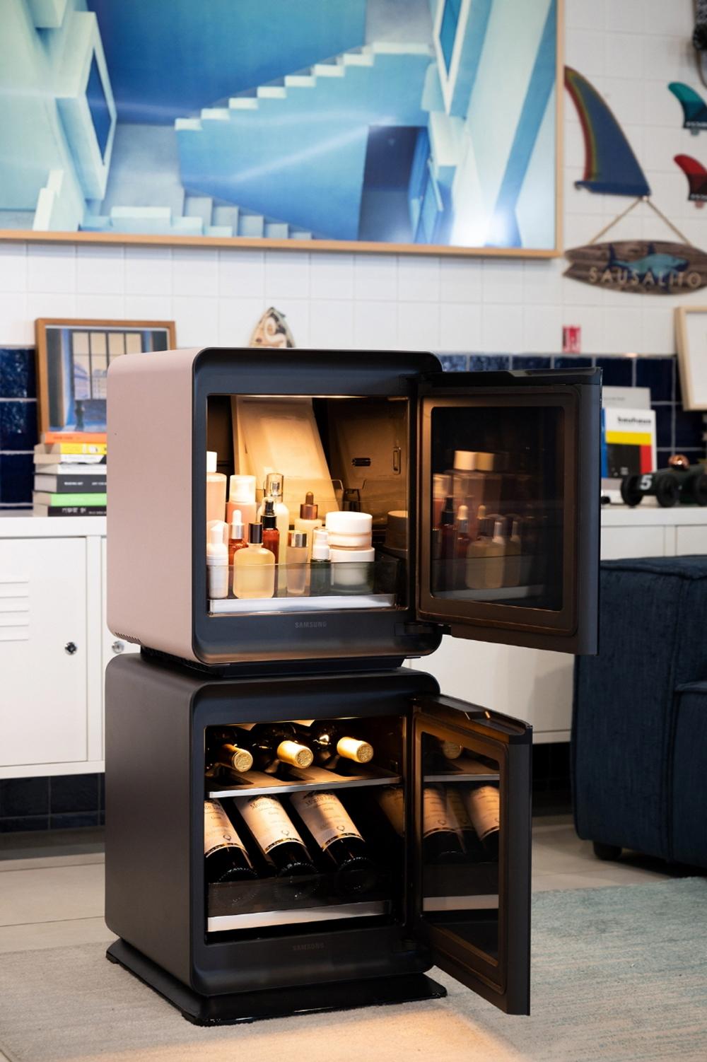 문이 열려있는 삼성 비스포크 큐브 제품 사진