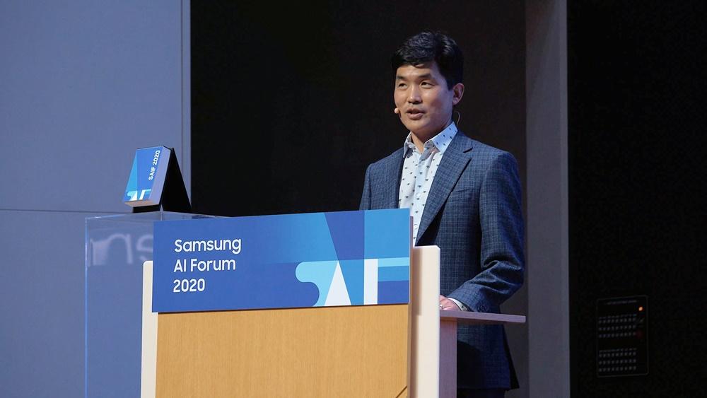 무대 앞에서 이야기를 하고 있는 삼성리서치 승현준 소장(사장)