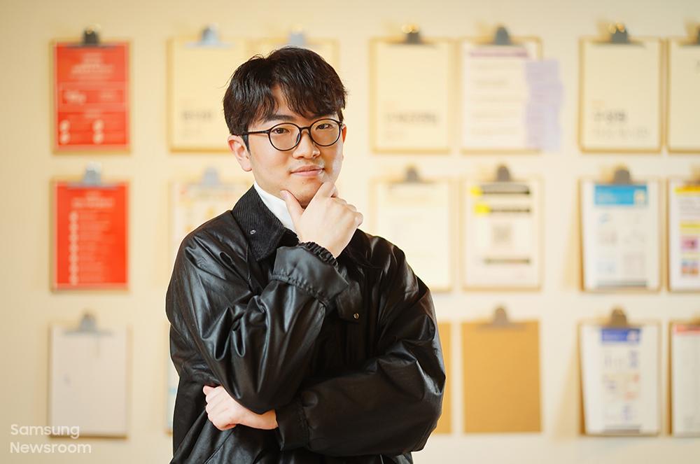 2016년 주소창 우수상을 받은 장은준 씨가 정면을 보고 있다.
