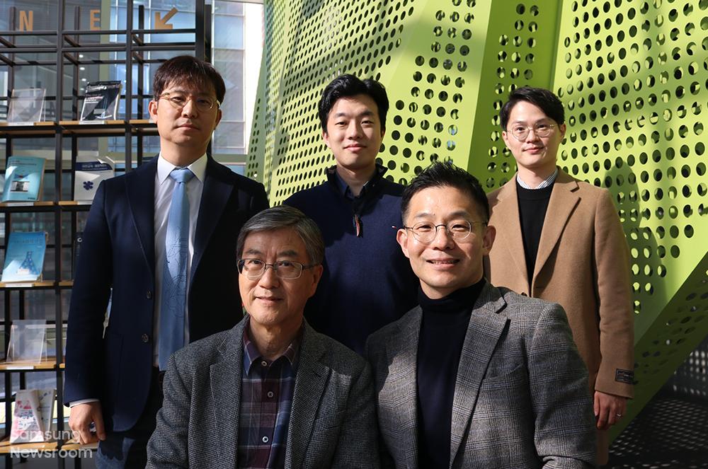 서울대 남기태(오른쪽 하단) 교수와 이윤식(왼쪽 하단) 교수, 연세대 권장연(왼쪽 상단) 교수와 연구팀