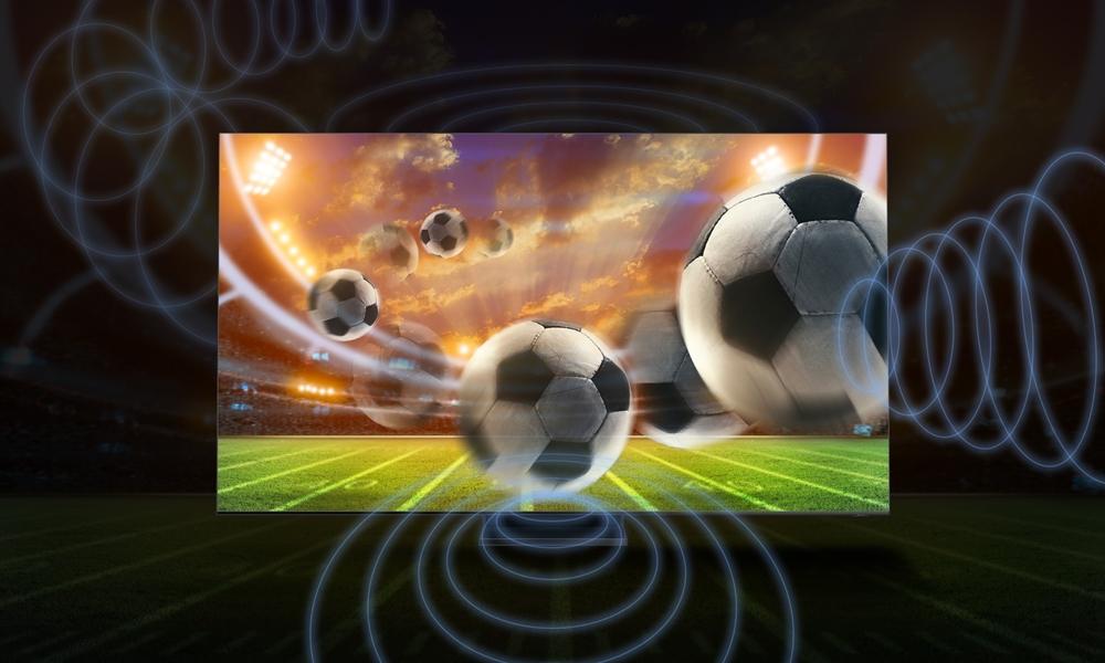 QLED 8K TV의 사운드를 형상화한 이미지 화면은 경기장의 축구공