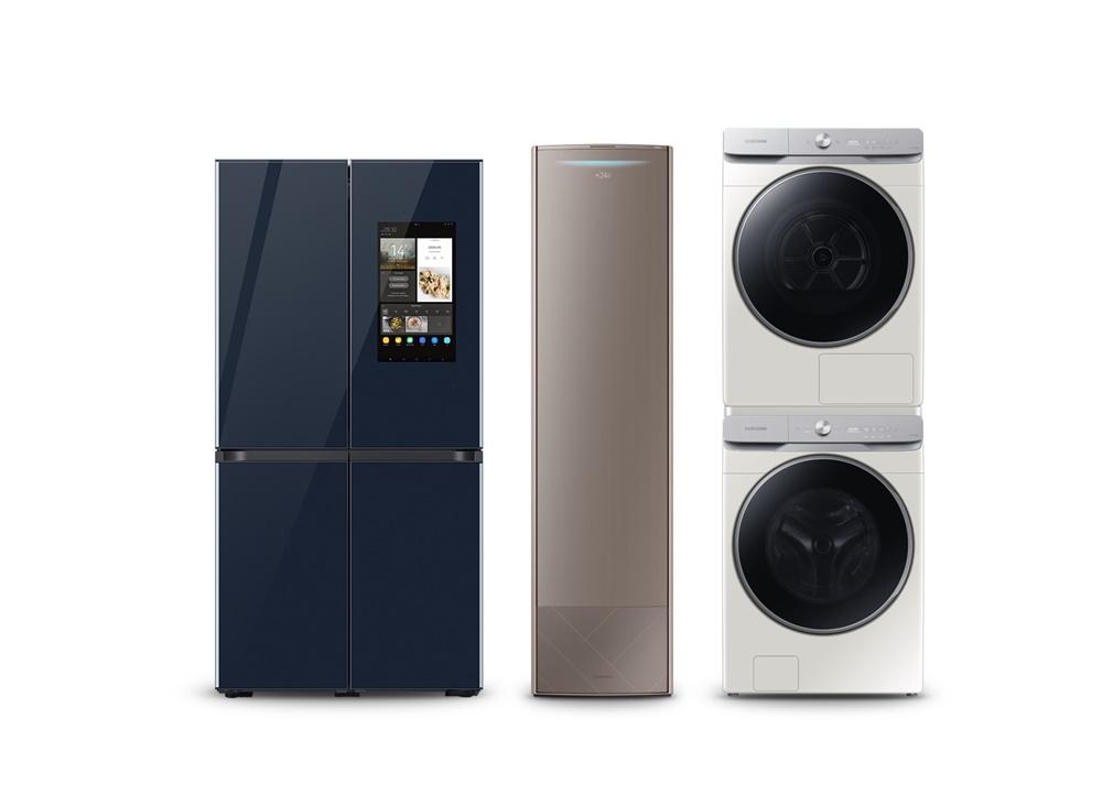▲ (왼쪽부터) '비스포크 패밀리허브' 냉장고, 무풍 에어컨 갤러리, '그랑데 AI' 세탁·건조기 제품사진