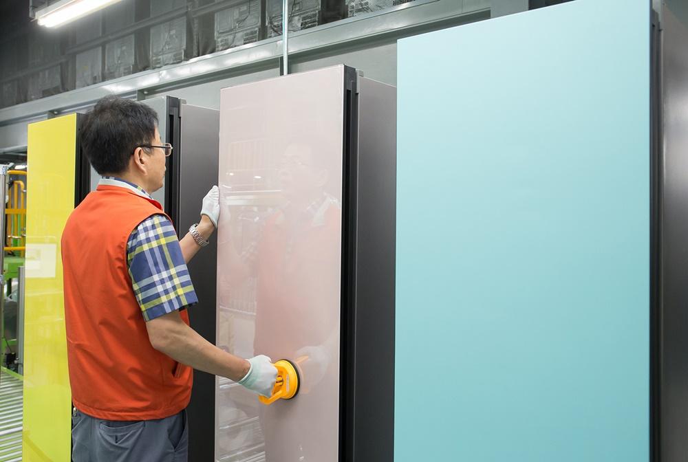 삼성 비스포크 냉장고 생산라인_출하량 100만대 돌파(2)