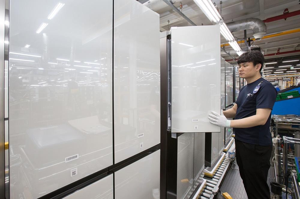 삼성 비스포크 냉장고 생산라인_출하량 100만대 돌파(3)