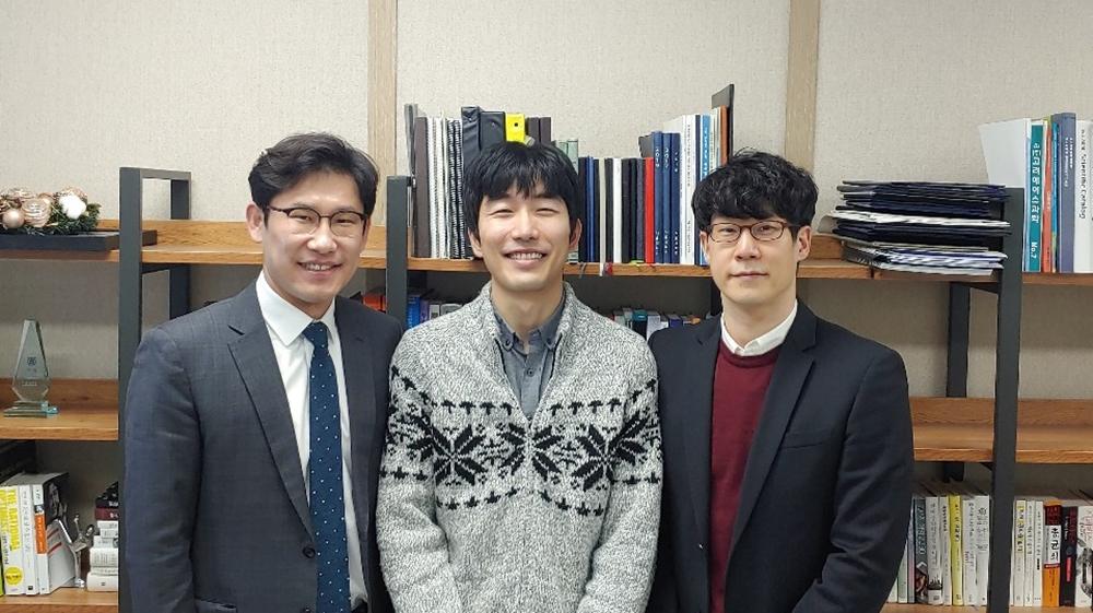 이번 연구를 주도한 (왼쪽부터)서울대학교 박정원 교수, 한양대학교 에리카 캠퍼스 전성호 박사, 한양대학교 에리카 캠퍼스 이원철 교수