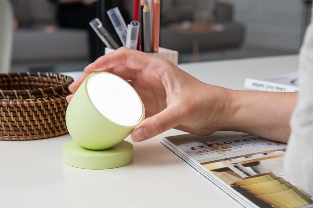 '루플'이 개발한 멜라토닌 생성을 억제 또는 촉진해주는 휴대용 햇빛 솔루션 '올리'