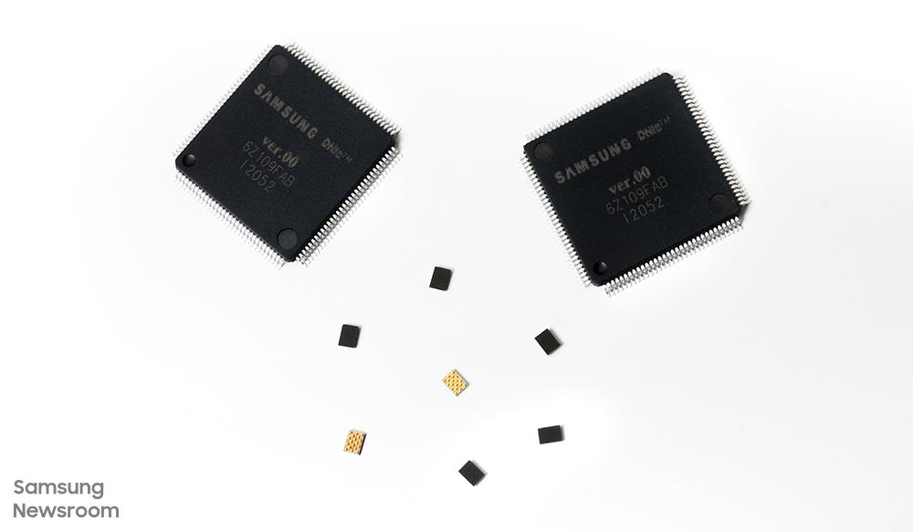 삼성전자 미니 LED 구동 IC, LED 전류 구동 IC(S6LP441, 큰 제품)와 이를 관장하는 컨트롤러 IC(S6LDMB1, 작은 제품)
