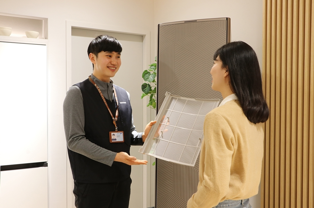 [사진1] 에어컨 사전점검 서비스 제공 모습