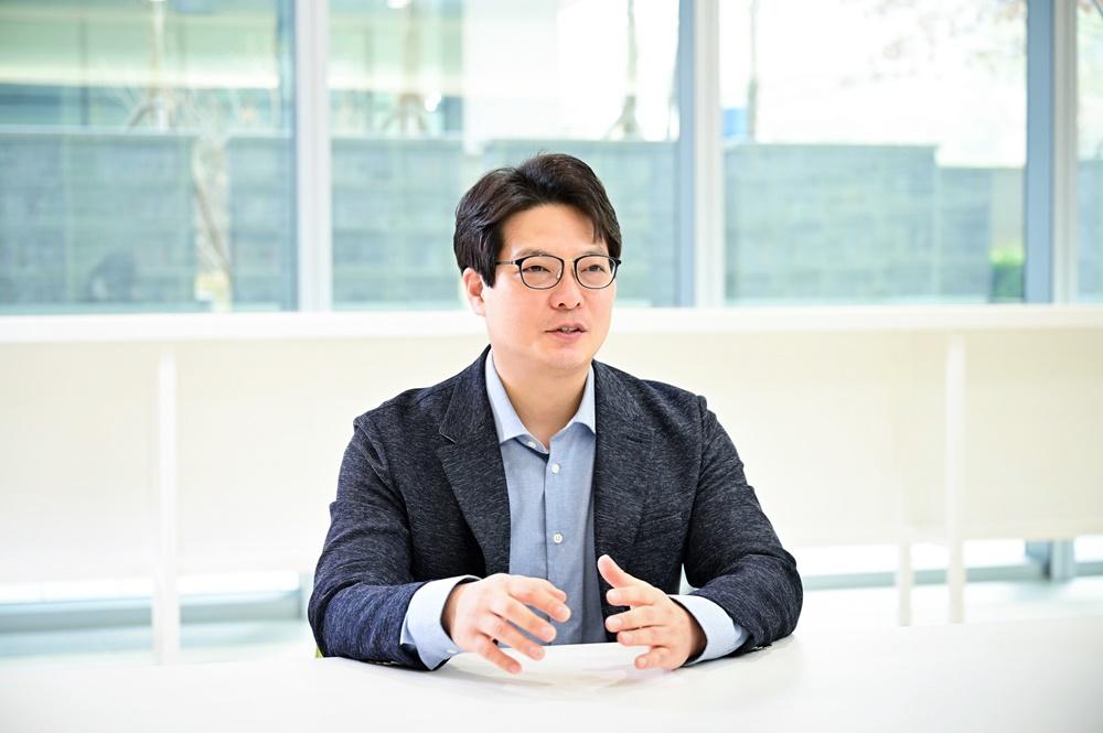 3월 개최된 ITU-R 총회에서 6G 비전 그룹 의장으로 선출된 삼성전자 최형진 연구원