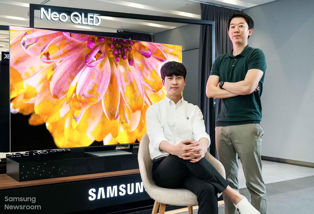 삼성전자 영상디스플레이사업부 홍태진, 이우민 프로(왼쪽부터)
