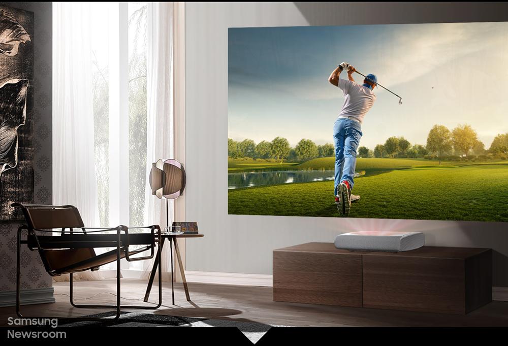 더 프리미어가 설치된 거실, 더 프리미어에서 재생되는 골프
