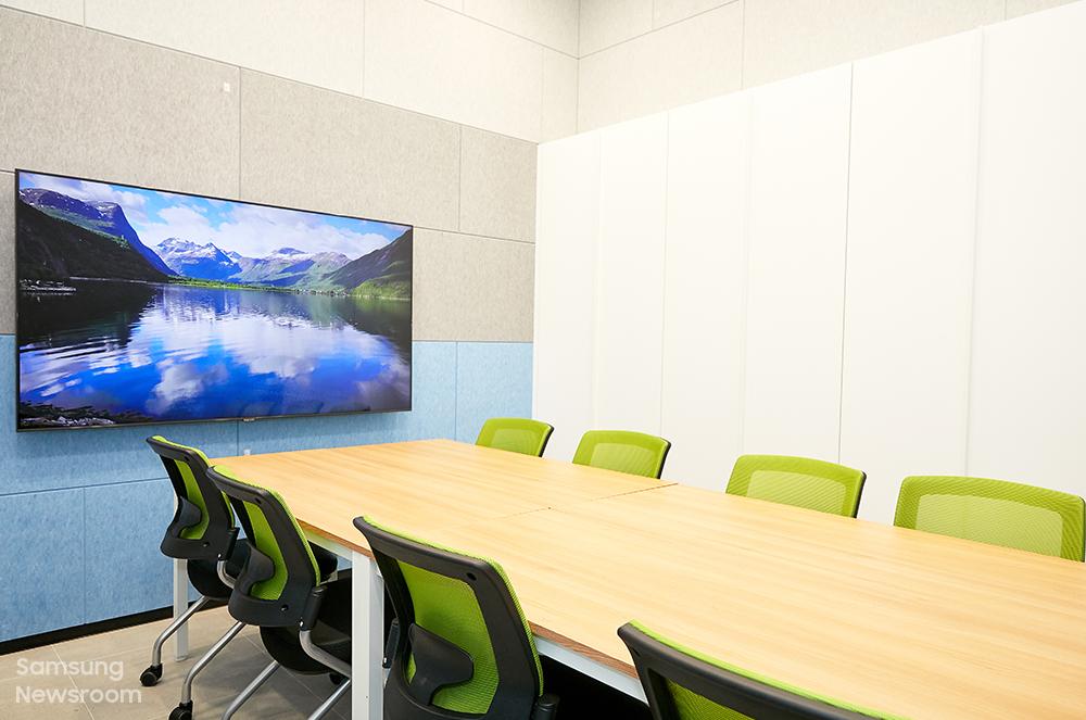 ▲ 공용 공간에 마련된 상담실 모습. 삼성 희망디딤돌 경남센터는 보호종료 청소년들과의 1:1 상담을 통해 정서적인 관리도 이어간다.