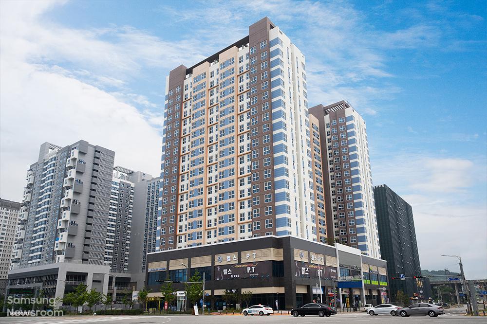 삼성 희망디딤돌 충남센터 전경. 주거 공간을 비롯해 북카페, 야외 정원 등 다양한 편의시설을 갖추고 있다.
